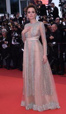 Valeria Golino en Valentino - May 11th 2016 - Cannes (2)